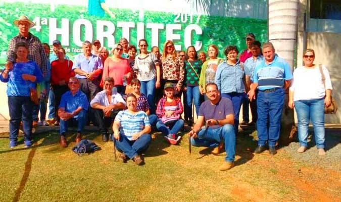 Caravana de Descalvado visita a  24ª Hortitec, em Holambra