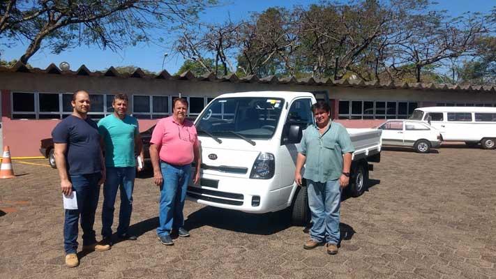 Departamento de Trânsito recebe uma  caminhonete Kia Bongo 0 km