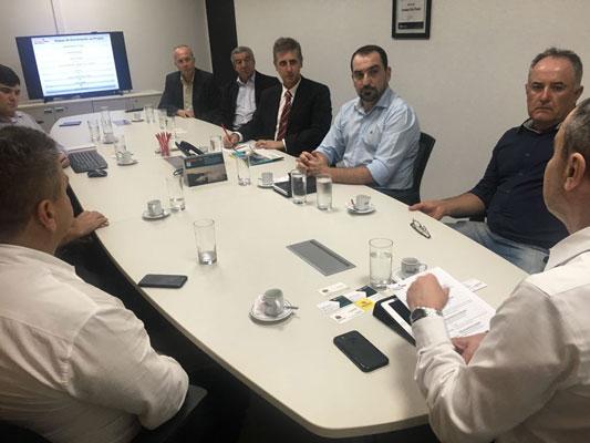 Luiz Carlos se reúne com equipe do Investe SP em busca novos investimentos para o município
