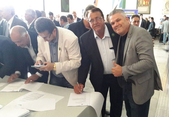 Becão assina em SP convenio para conclusão da 2ª via da Mário Bonitatibus