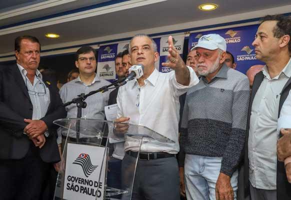 Becão assina convênio de R$ 1 milhão para recapeamento de ruas