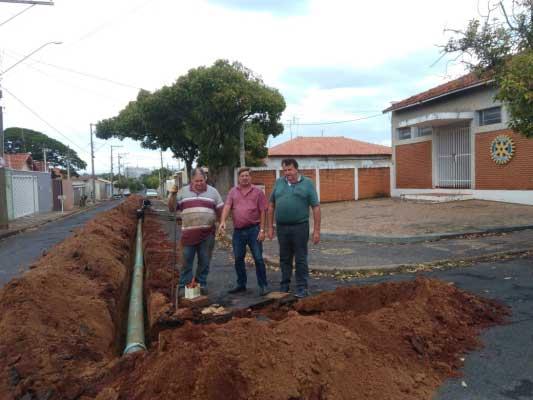 Administração Becão e Luiz Carlos determina a implantação da nova adutora para abastecimento da região leste