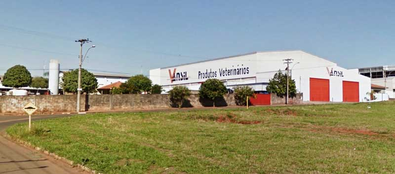 Foto: Becão e Luiz Carlos enviam projeto de lei para a Câmara que permitirá ampliação da Vansil e a geração de no mínimo 40 novos empregos