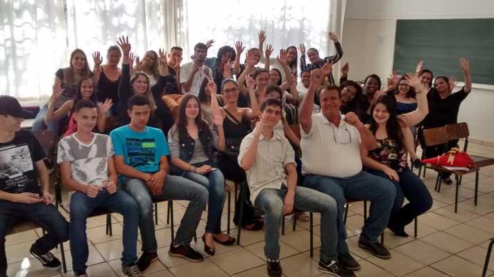 Cerca de 60 alunos concluem o curso do Programa Estadual de Qualificação