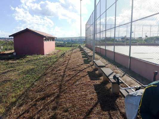 Secretaria de Esportes realiza limpeza e manutenção de áreas esportivas