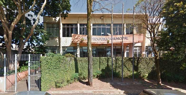 Secretarias de Obras e de Educação deram início à reforma do prédio que abriga a Biblioteca Pública Municipal